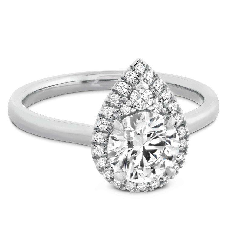 JULIETTE PEAR戒指,白K金鑲嵌主鑽1克拉起,66萬元起。圖/HEAR...