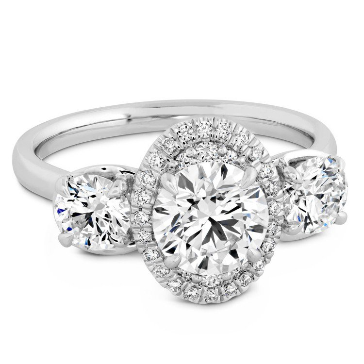 JULIETTE 3 STONE戒指,白K金鑲嵌中央主鑽1克拉起,96萬9,00...