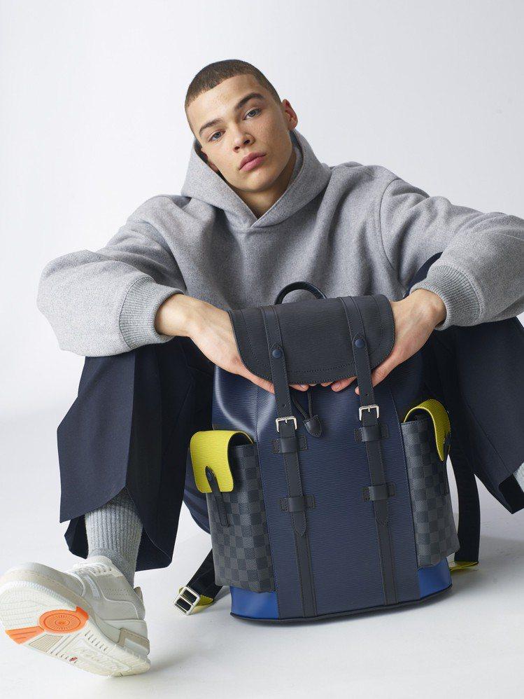 全新男士皮具系列以LV圓形標誌,為Damier Graphite帆布與Epi皮革...