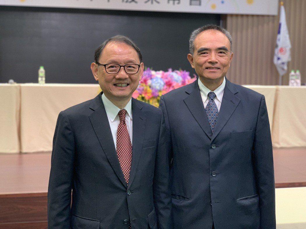 華新麗華董事長焦佑倫(左)、總經理鄭慧明(右)。記者黃阡阡/攝影