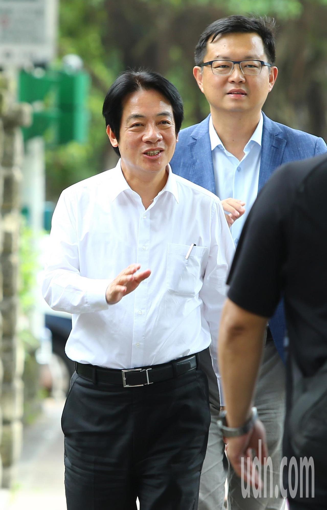台灣健康空氣行動聯盟等團體發起「周五為未來 台灣站出來」遊行,賴清德出席。記者陳...