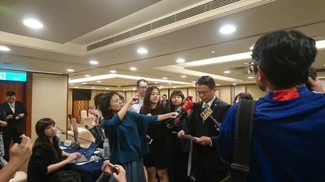 長榮航空總經理孫嘉明今天表示會在長榮桂冠酒店等工會成員來協商。 記者黃淑惠/攝影