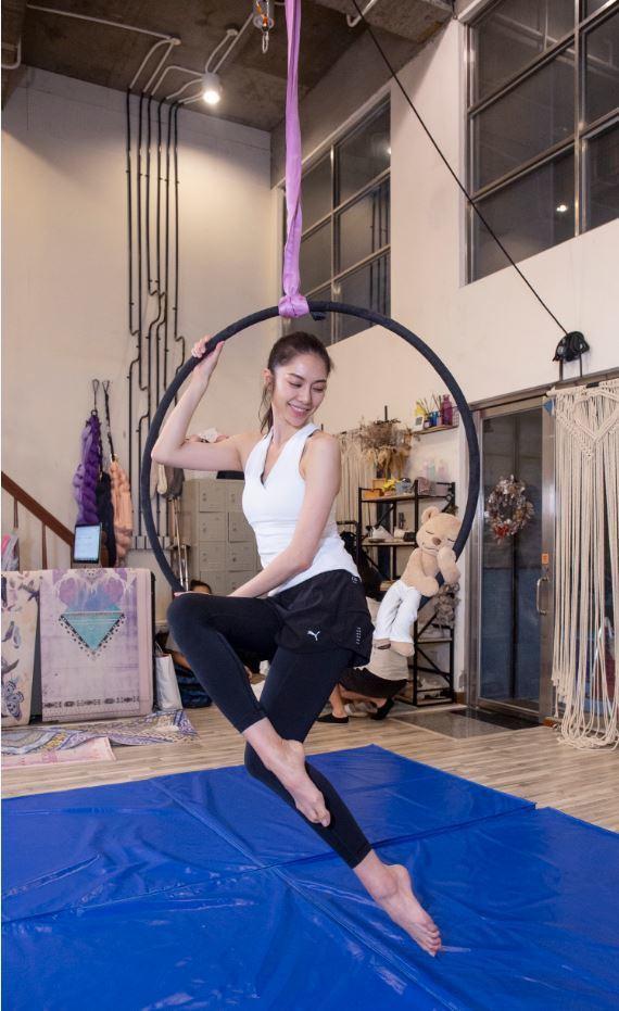 廖奕琁迷上新的體操運動「空中環」。圖/凱渥提供