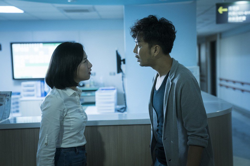 張書偉、胡廣雯飾演病患父母。圖/公視提供