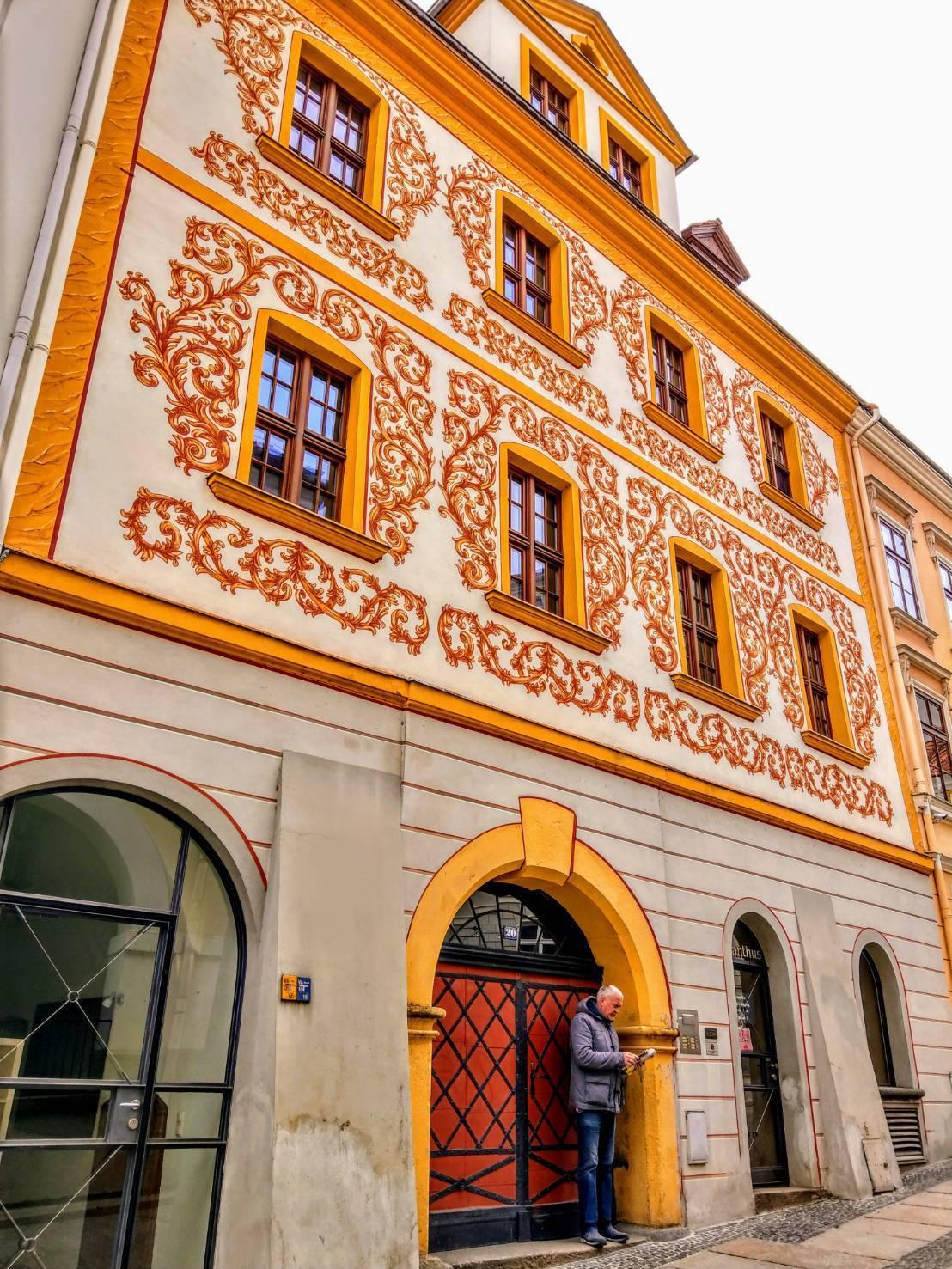 哥利茲躲過戰火破壞,街道林立著五顏六色、門面華麗的古典建築。記者張錦弘/攝影