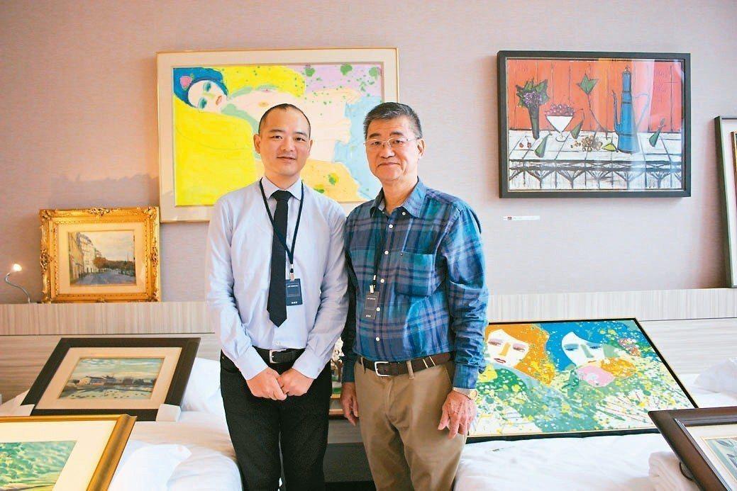 新典藝術中心負責人盧景彬(右)、經理盧俊棋父子聯手,於新竹藝博會引進風格迥異、價...