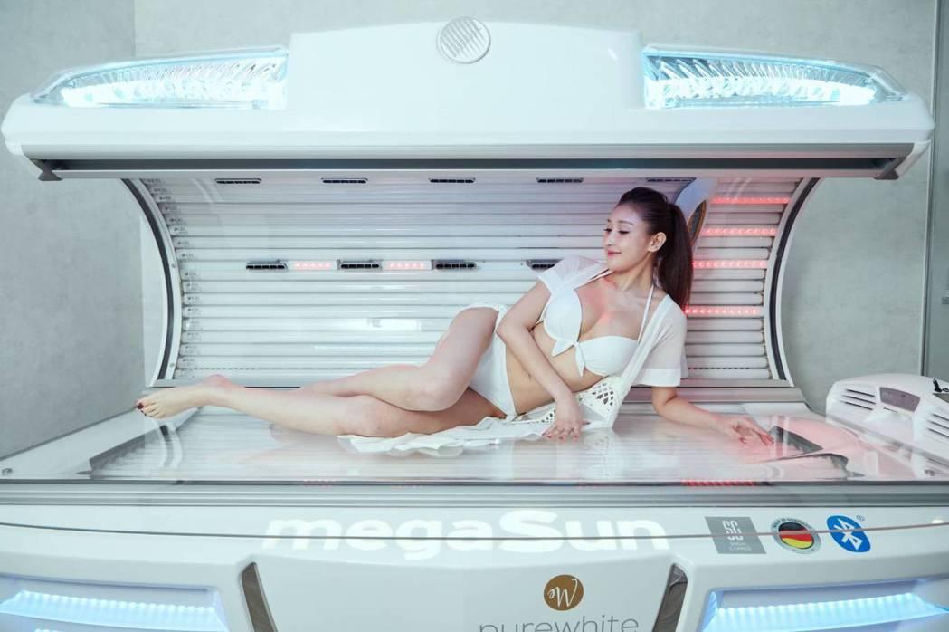 SNOW CAPPED花費鉅資打造極緻奢華VIP室,引進全球最頂級膠原蛋白艙。業...