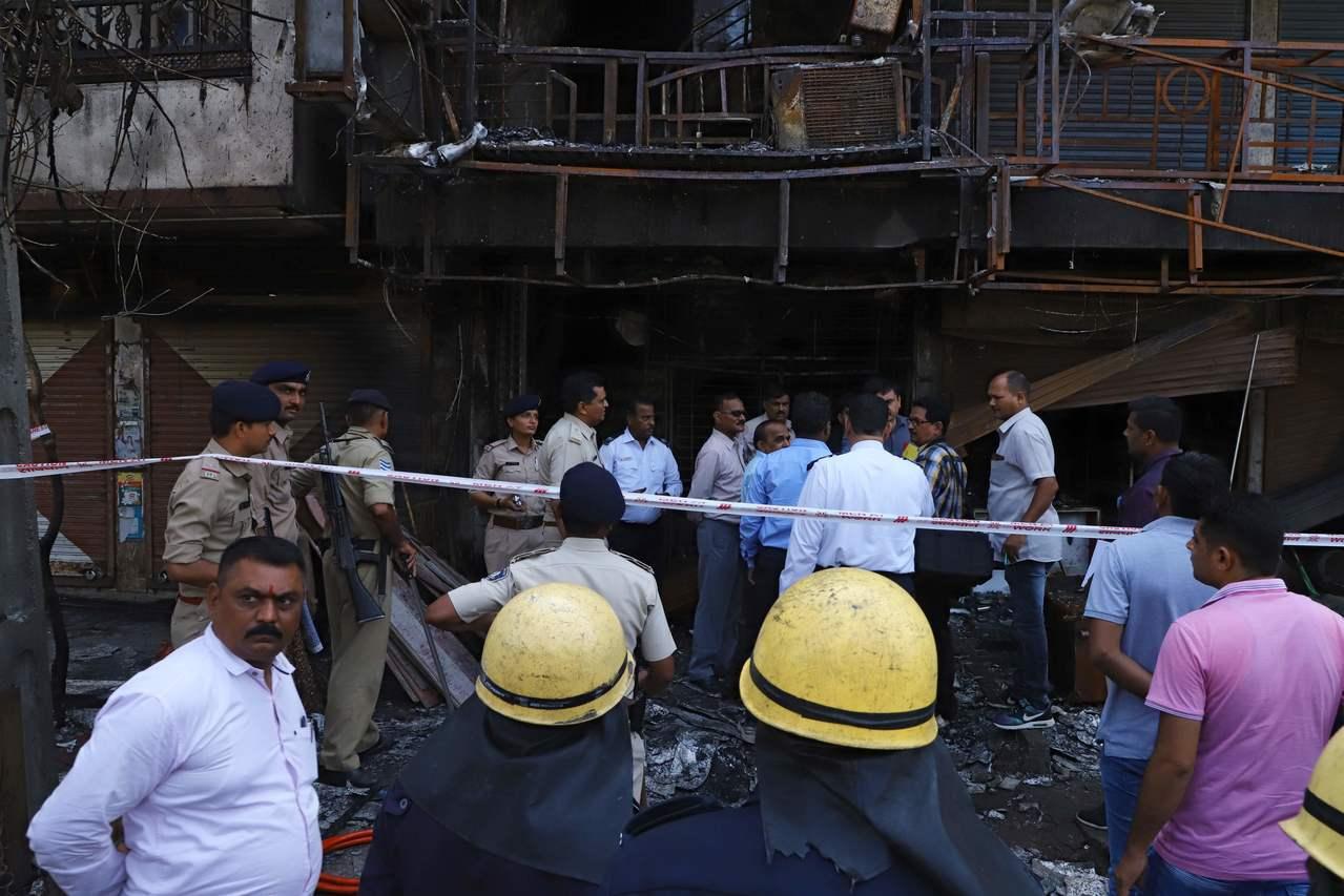 印度一間私營課業輔導中心發生大火,造成20名青少年命喪火窟。 法新社