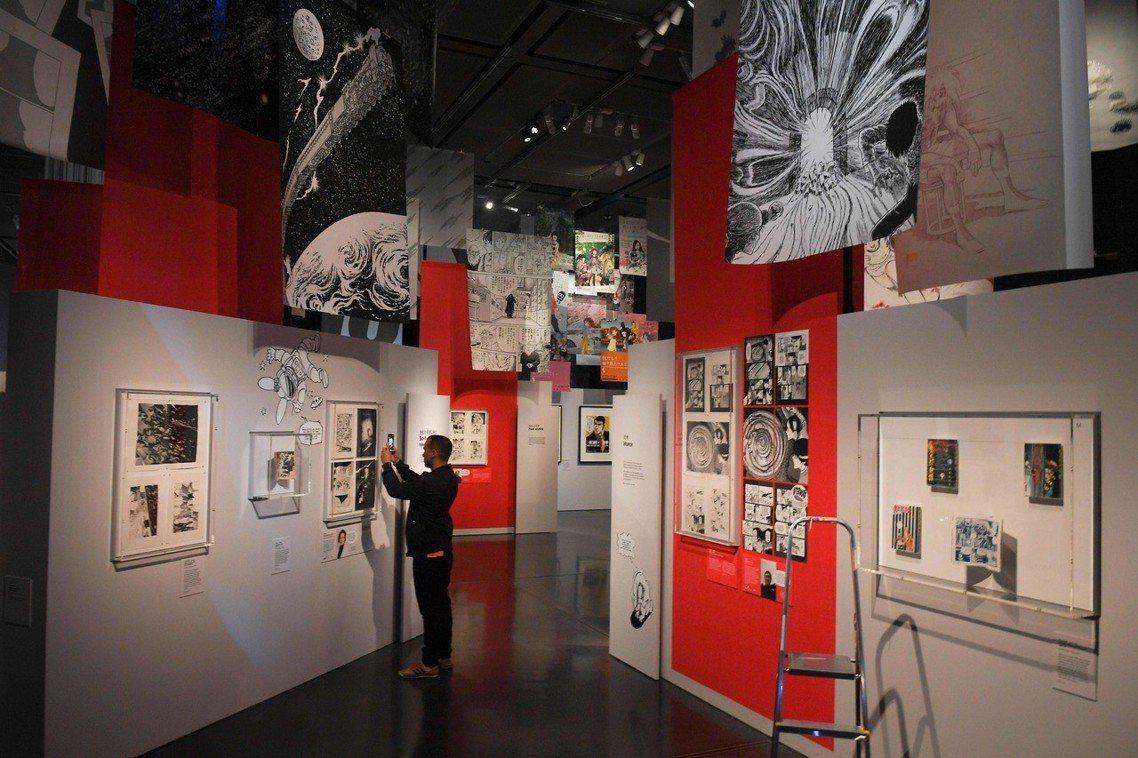 大英博物館內漫畫展一景。漫畫展不只是陳列各種漫畫圖像而已,而是從中理解漫畫的繪製...
