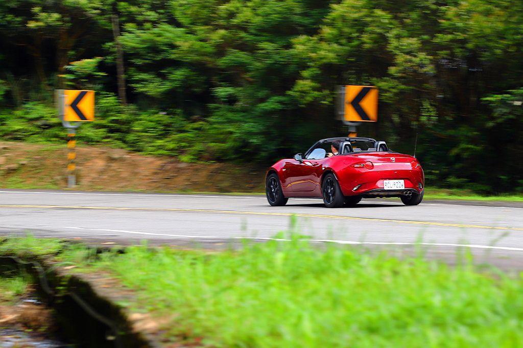 就算Mazda MX-5跑山路也都是將引擎轉速控制在扭力輸出最佳領域,嫌少有需要...