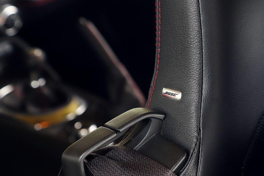 Mazda MX-5 MT悅耳的排氣聲響,讓標配的BOSE環繞音響系統都顯得有點...