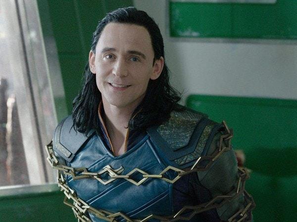 型男Tom Hiddleston飾演邪神洛基而為人熟悉,但現實中他卻是絕世暖男。...