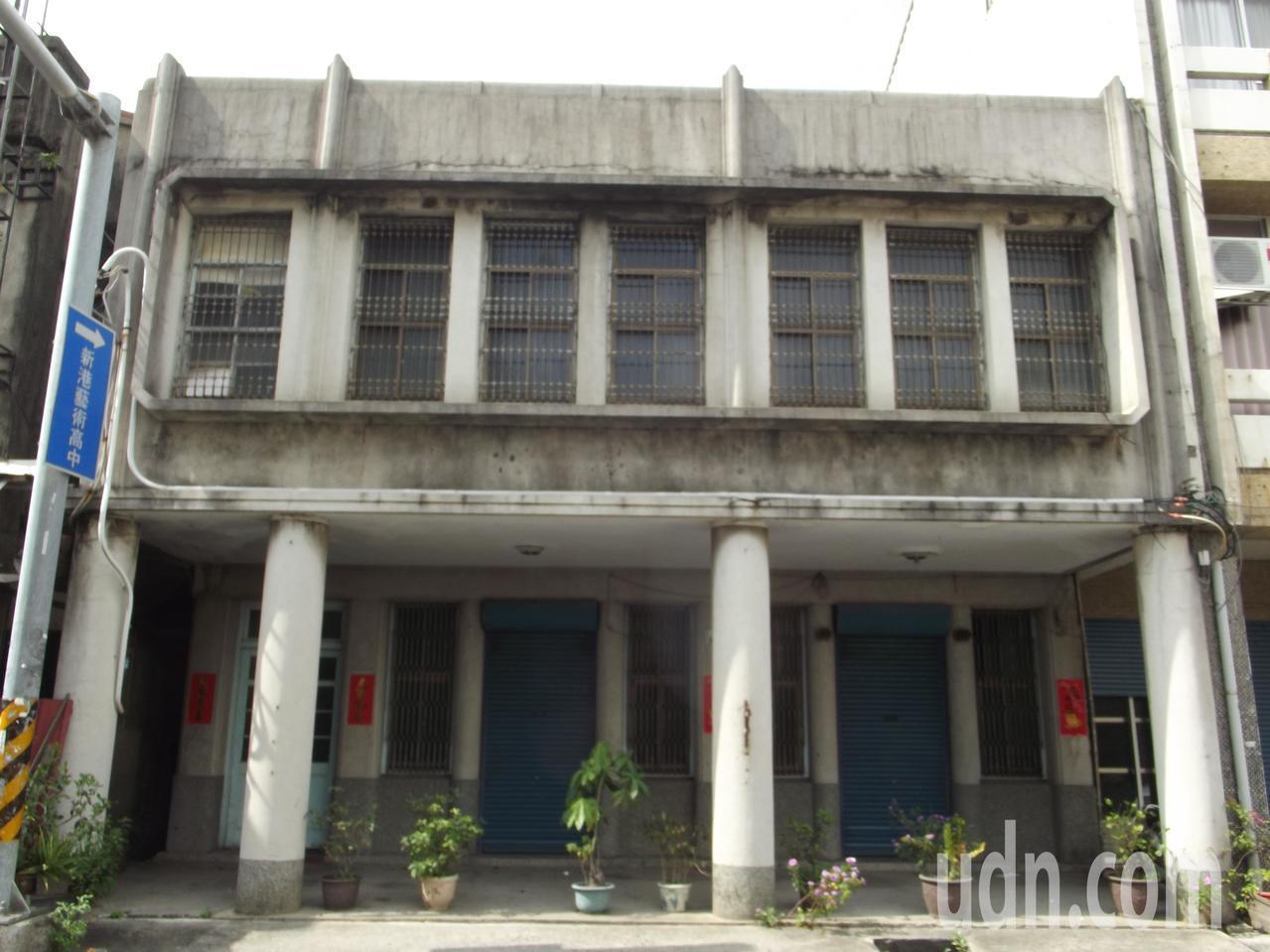 洪宗光開業的明仁堂診所在新港街上。記者謝恩得/攝影