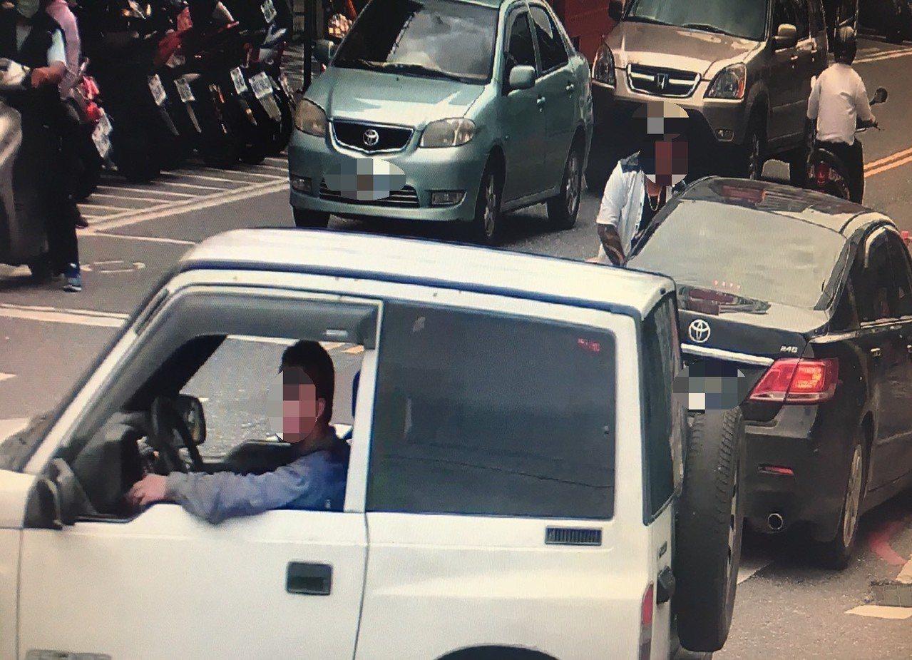 曾男從花蓮偷竊車輛,環島半個台灣到台中工地工作,仍被跨縣合作的警方逮捕。記者林佩...