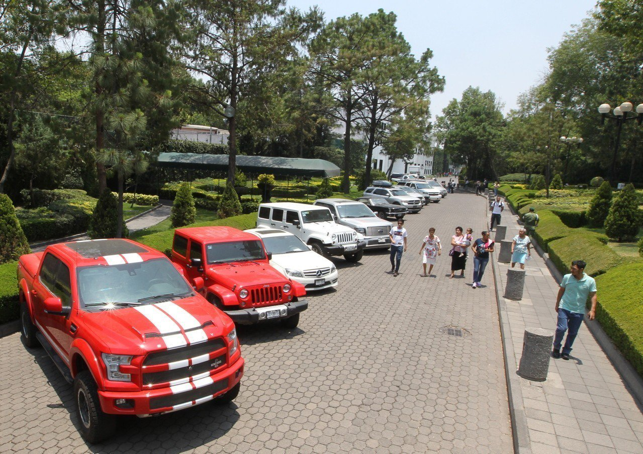 墨國政府26日法拍高級車,法拍收益將幫助貧困社群。歐新社