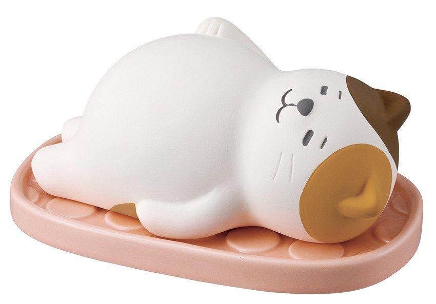 日本DECOLE除濕小幫手-滿腹貓,售價690元。圖/台隆手創館提供
