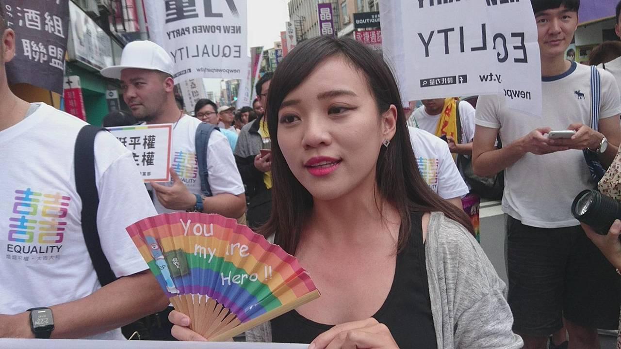 高雄市議員黃捷今天到宜蘭挺同志與平權大遊行。記者羅建旺/攝影