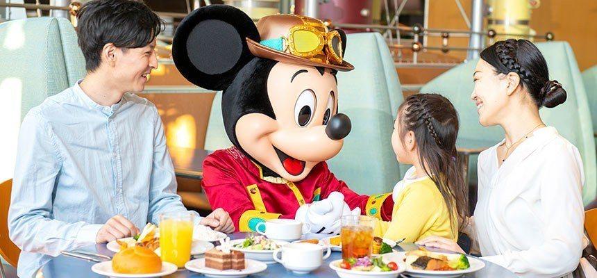 東京迪士尼度假區的水晶宮餐廳、水平線海灣餐廳的明星餐服務,將於7月8日劃下句點。...