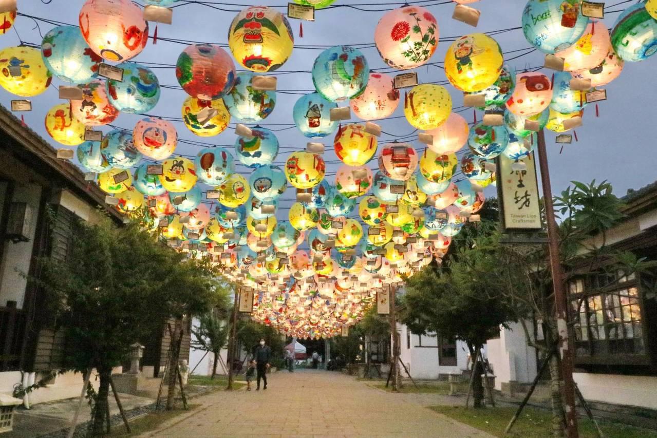「2019鹿港慶端陽系列活動」今晚7時在鹿港公會堂前廣場舉辦祈福點燈儀式,各主要...