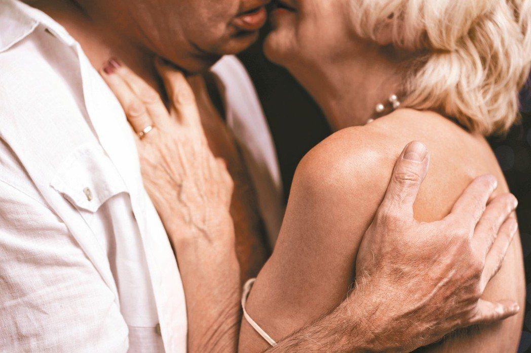 「查甫人千萬母湯剩一支嘴!」電視廣告裡一名悍妻語帶不屑的酸語,狠狠刺傷許多「蒟蒻...