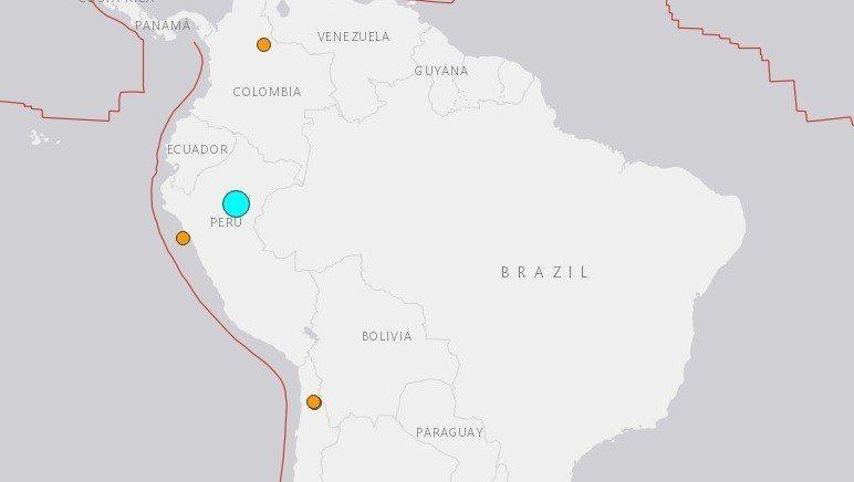 秘魯北部(圖中藍點處)26日發生規模7.5強震。 圖擷自美國地質調查局
