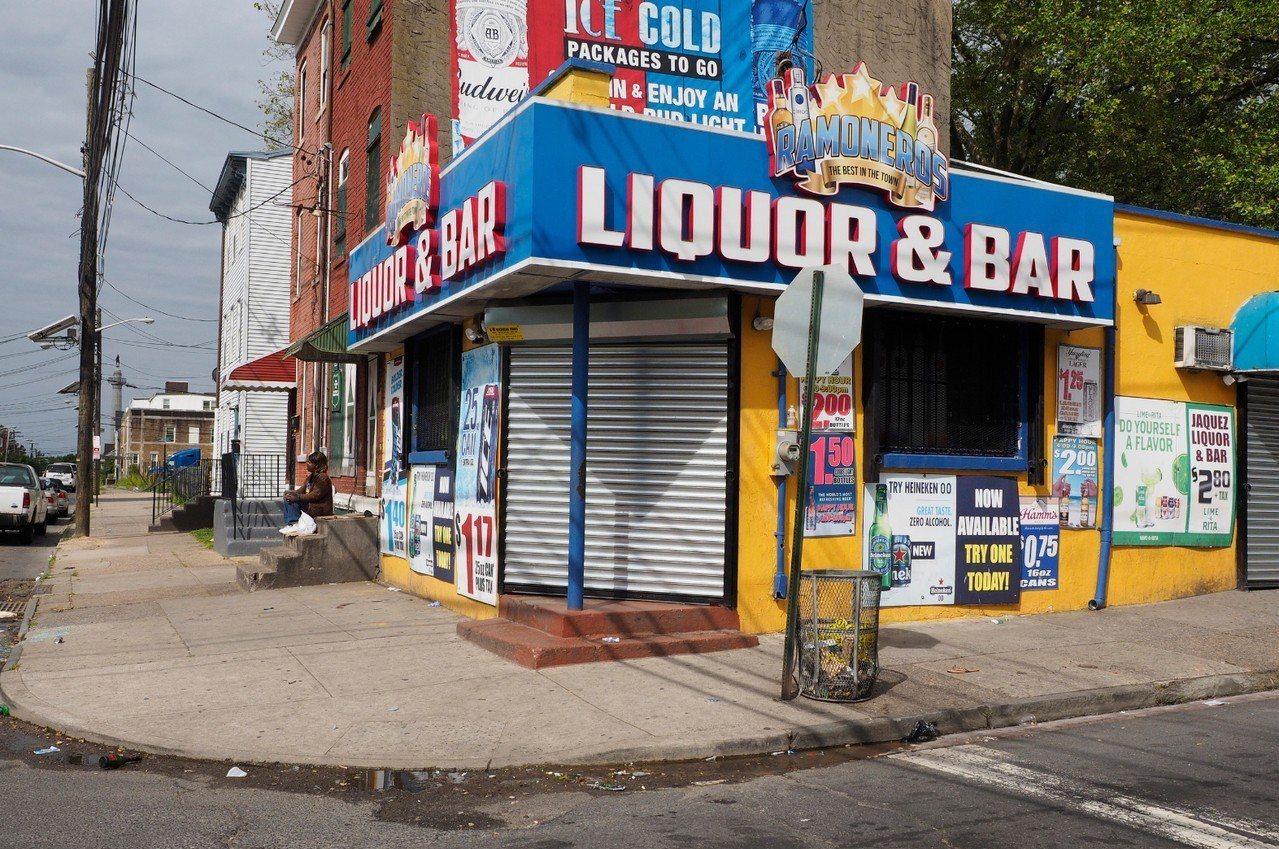新澤西州首府翠登市一家酒吧外傳槍擊,造成10人受傷。 美聯社