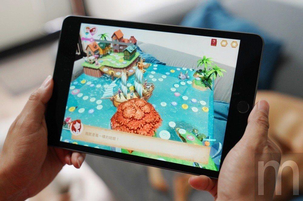 由於採用高效能A12 Bionic處理器,讓iPad mini也能對應穩定的AR...