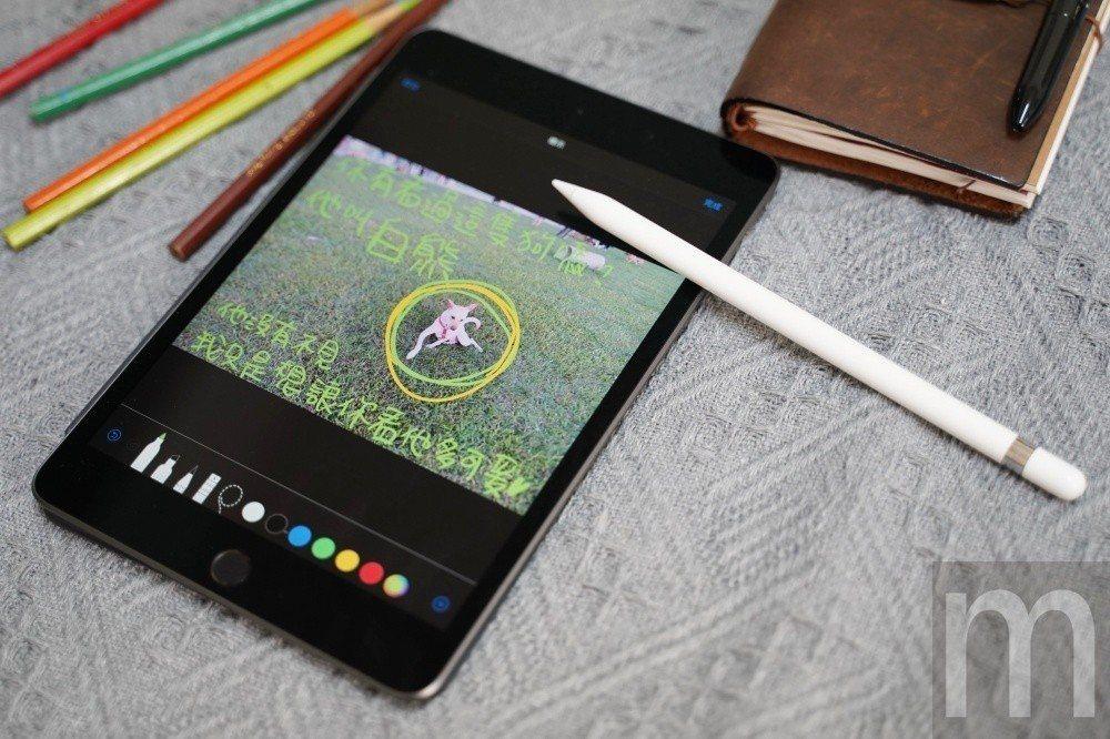 搭配Apple Pencil,讓2019年款iPad mini隨時可透過手寫方式...