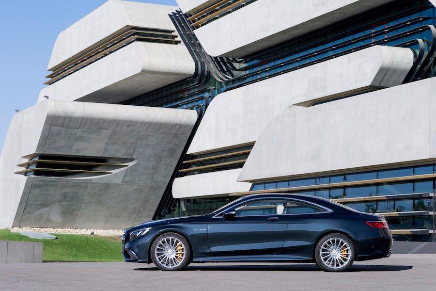 據傳S-Class Coupe and Convertible也是要停產的車型。...