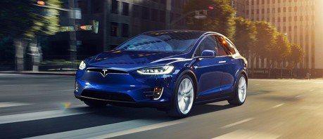 Tesla車道變換輔助系統其實很危險?插隊又急煞!