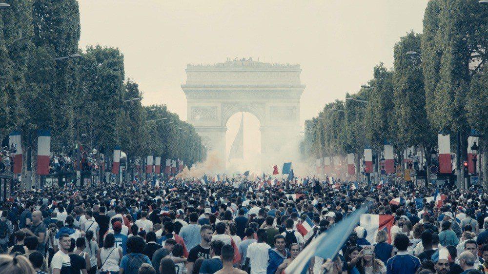 巴黎鎮暴畫面震撼「悲慘世界」勇奪坎城影展評審團獎。圖/海鵬提供