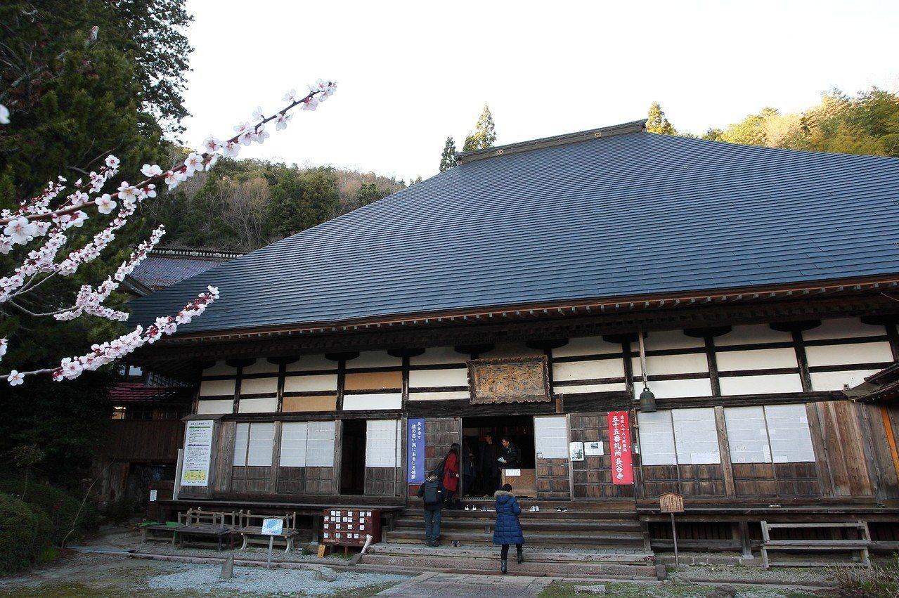 已經有1200餘年歷史的長谷寺。記者陳睿中/攝影