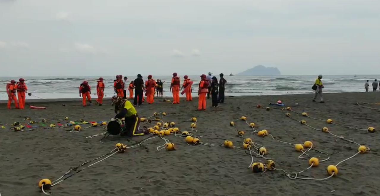 龜山島海上長泳舉辦14年首度傳出意外,72歲女泳客插管昏迷。圖/讀者提供