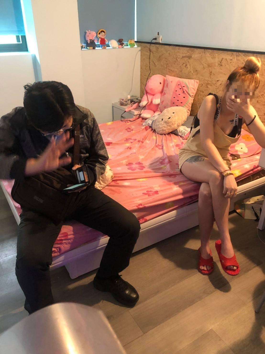 移民署台北市專勤隊自5月22日展開強力查緝,於萬華區查獲4名從事性交易的越籍女子...