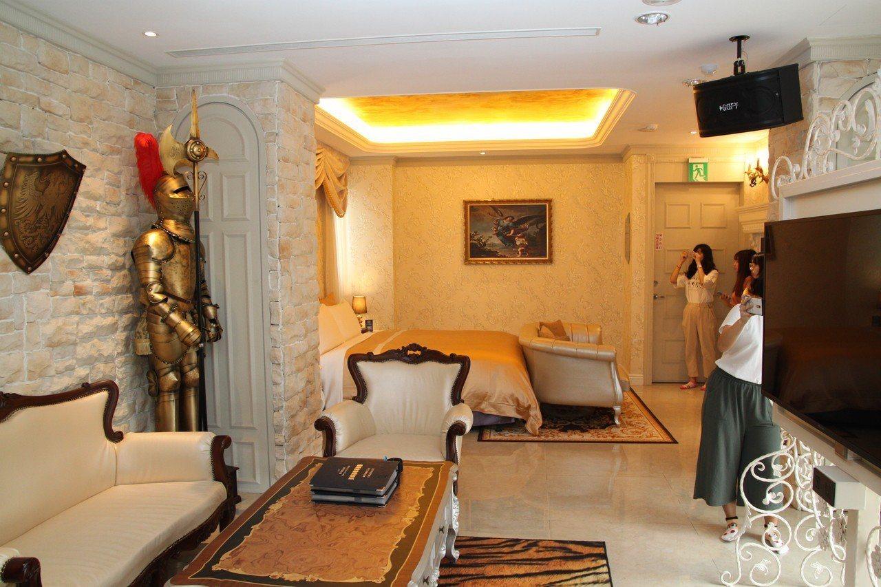 極光情境旅館的設計富創意,成為大學生學習的場域。記者黃寅/攝影