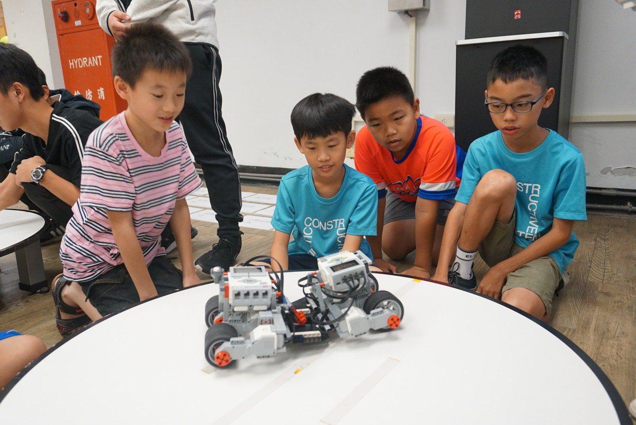 「2019亞洲智慧型機器人大賽」 今天在虎尾科技大學登場。圖/校方提供