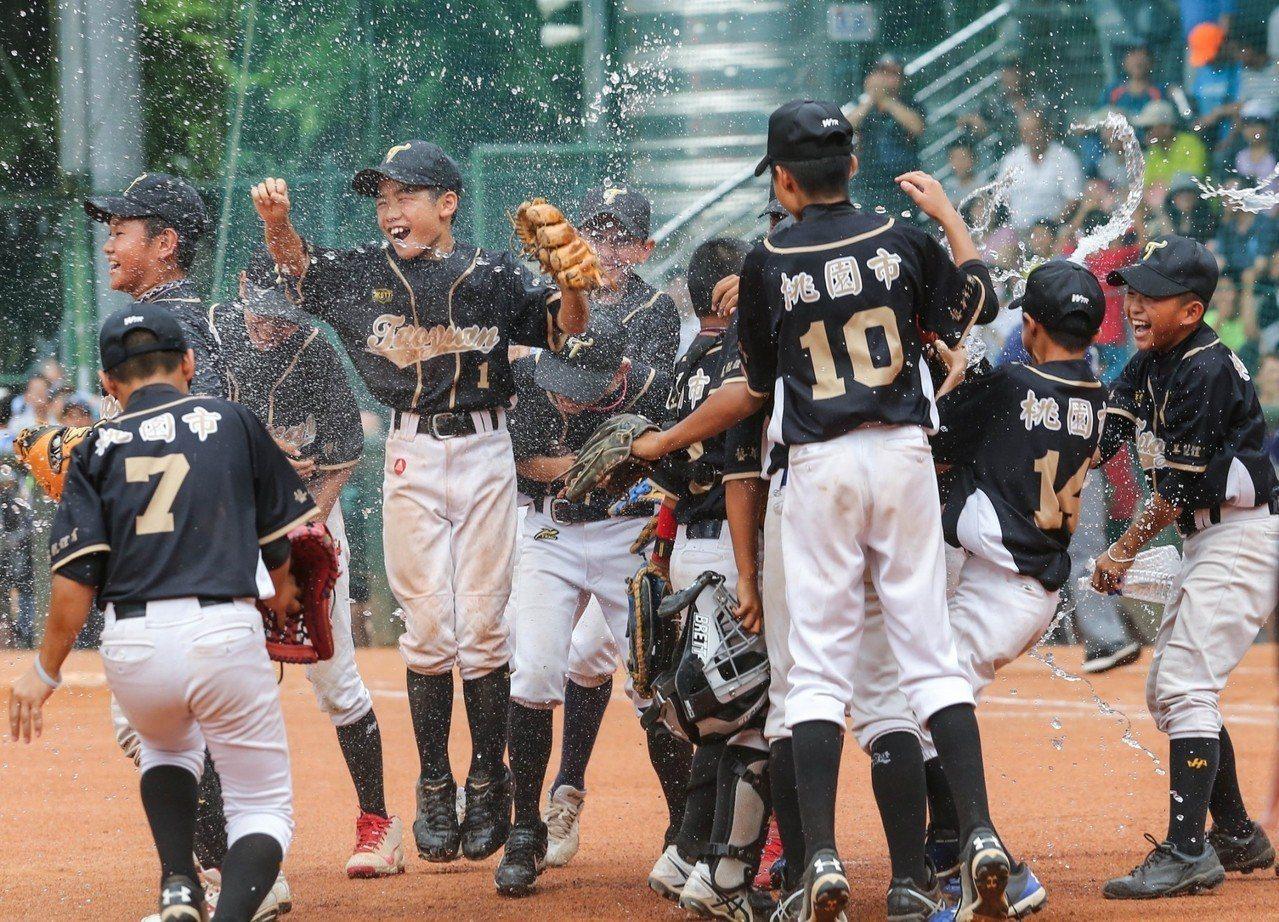 桃園市拿下華南金控盃冠軍獲得U12世界盃中華隊組隊權。實習記者方敬/攝影