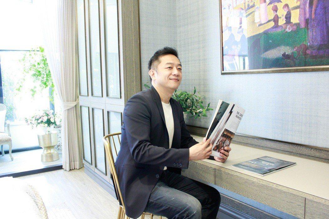 陳昭榮成直播賣房第一人。圖/翰成數位直播提供