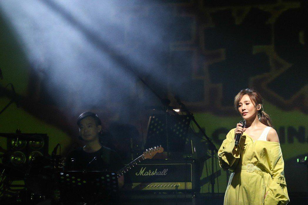 梁文音舉行「#2019還在聽」期間限定演唱會。記者葉信菉/攝影