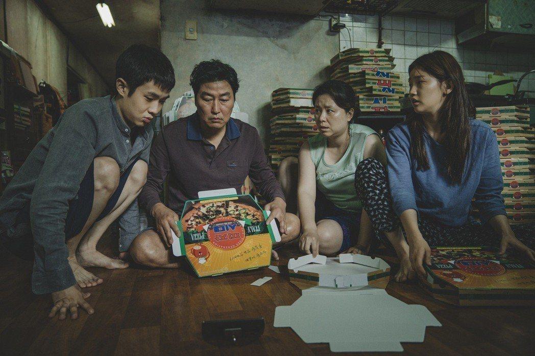 奉俊昊執導的「寄生上流」勇奪第72屆坎城影展金棕櫚獎。圖/Catchplay提供