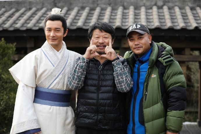 黃曉明(左起)主演「琅琊榜之風起長林」,導演孔笙也客串演出。圖/緯來育樂台提供