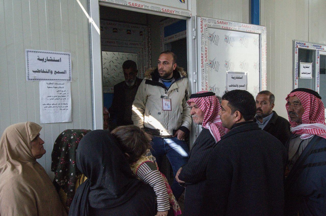 伊拉克摩蘇爾的聽力專門醫院每天都有大批病患求診,患者幾乎都是在摩蘇爾戰事中因砲擊...