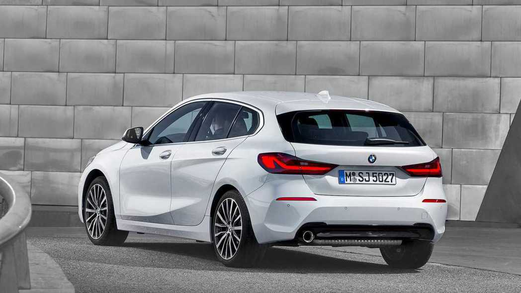 搭配新式LED尾燈,全新1 Series更為年輕動感。 摘自BMW