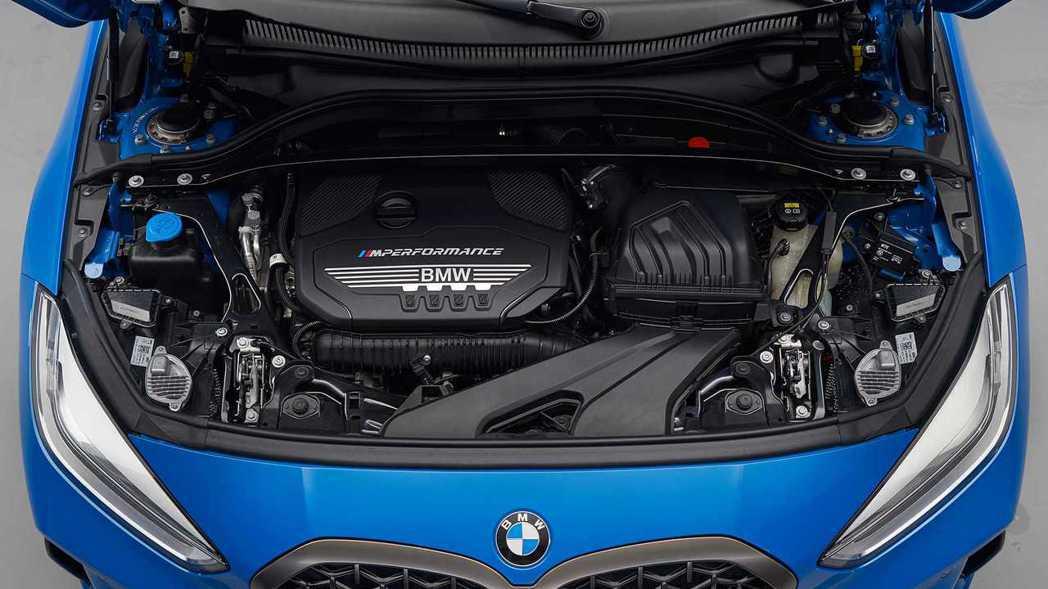 在動力編成部分,新世代1 Series首波發表有3款柴油動力和2款汽油動力。 摘...