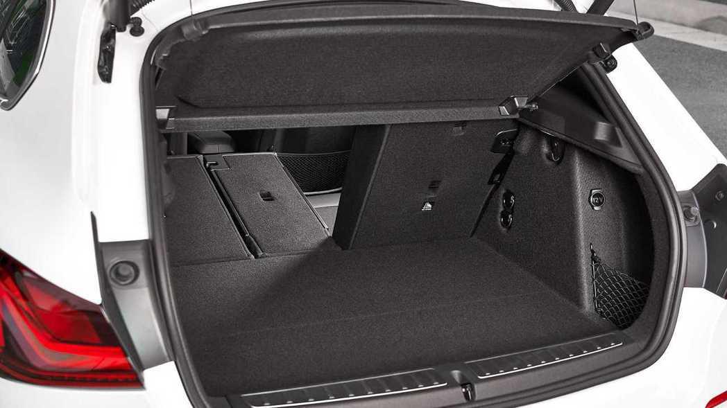 後行李箱也有380L,比上一代增加了20L。 摘自BMW