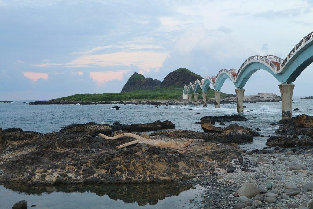▲台東旅遊景點推薦-台東三仙台。(圖/Pixabay)