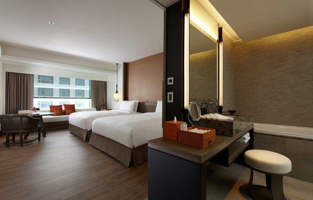 台南晶英酒店六月搶推連住優惠,連續住宿兩晚,第二晚免費招待。照片/業者提供