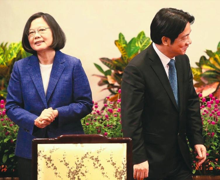 蔡英文總統(左)、行政院前院長賴清德(右)角逐民進黨總統初選。圖/本報系資料照片