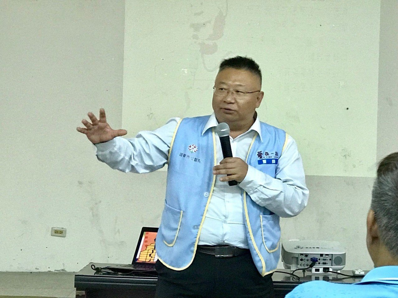 羅東博愛醫院骨科部脊椎外科主任陳劍龍去年6月時,體重來到人生巔峰114.2公斤,...