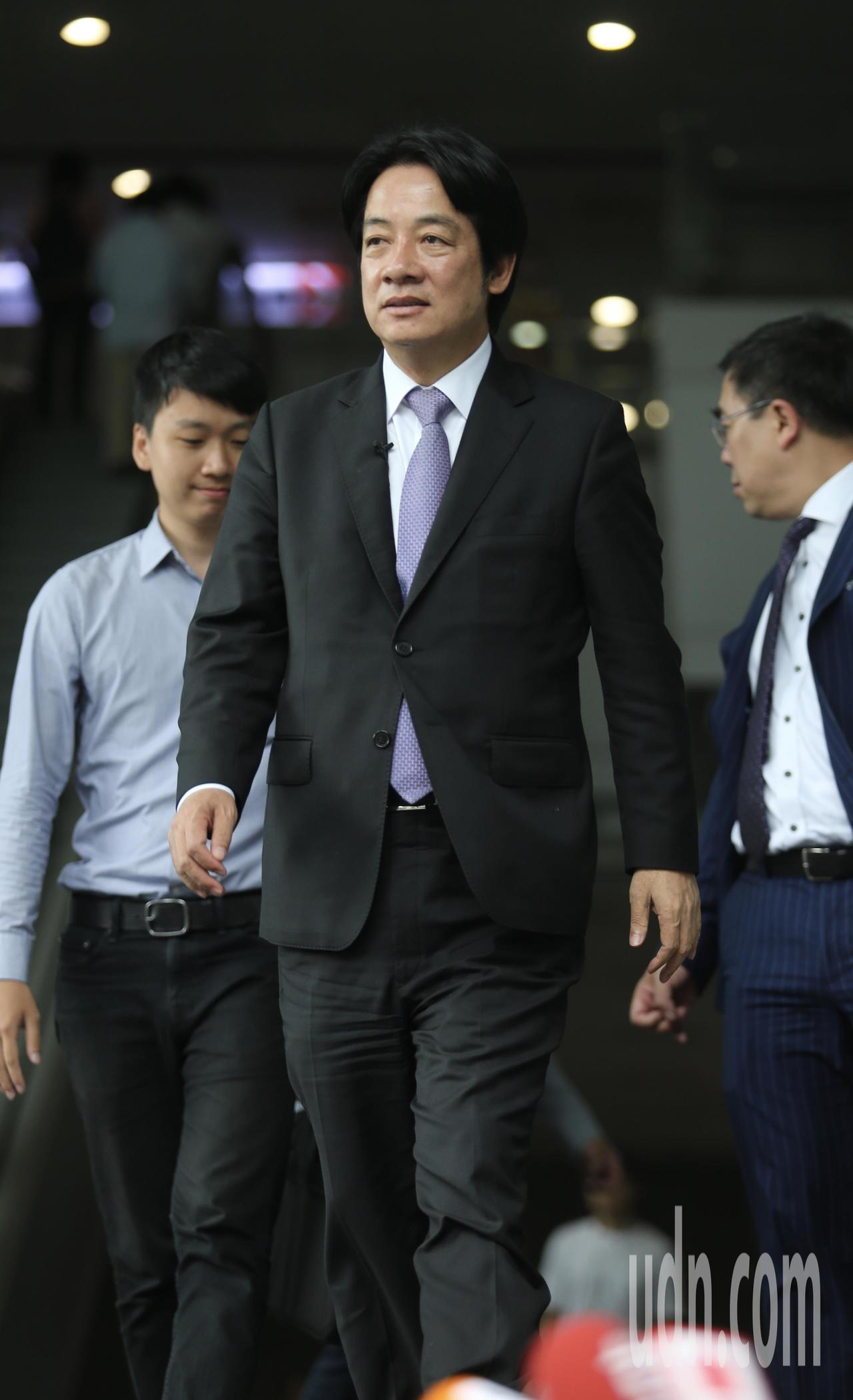 行政院前院長賴清德(圖),中午接受Yahoo TV直播專訪。記者許正宏/攝影